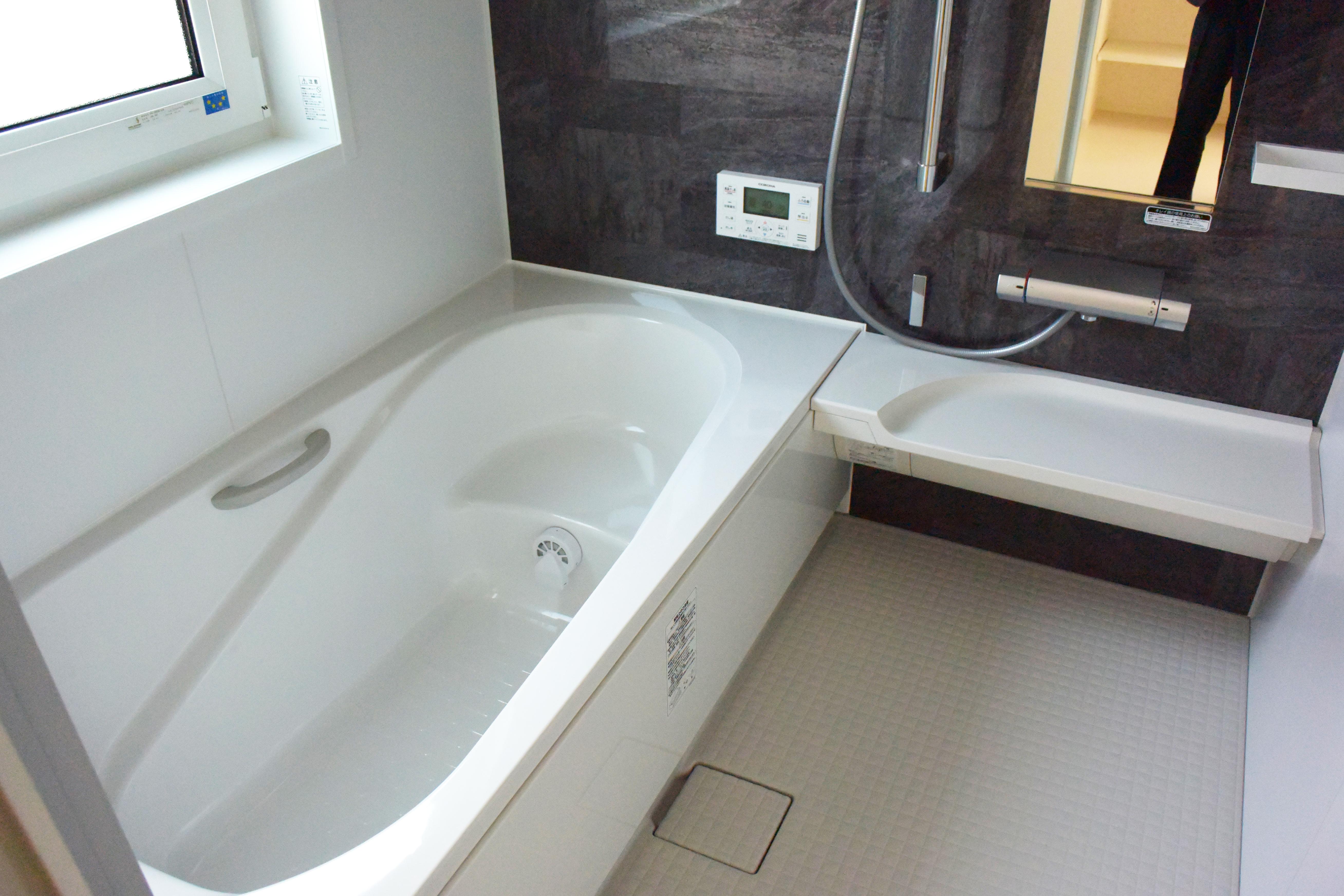 浴室はLIXILアライズ