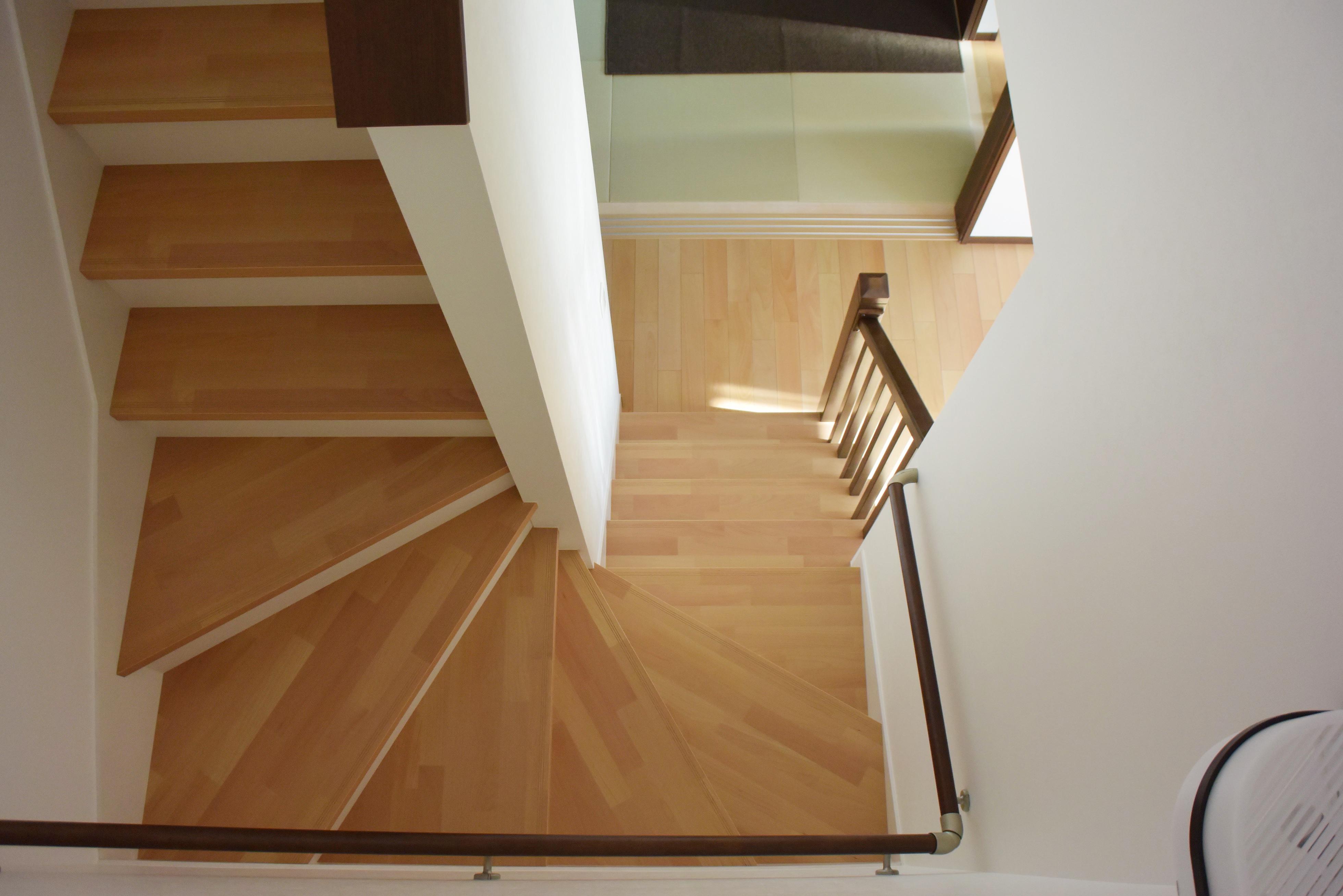 階段スペースの吹き抜け