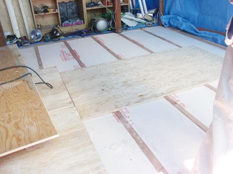 床、壁、天井、に断熱及び気密工事