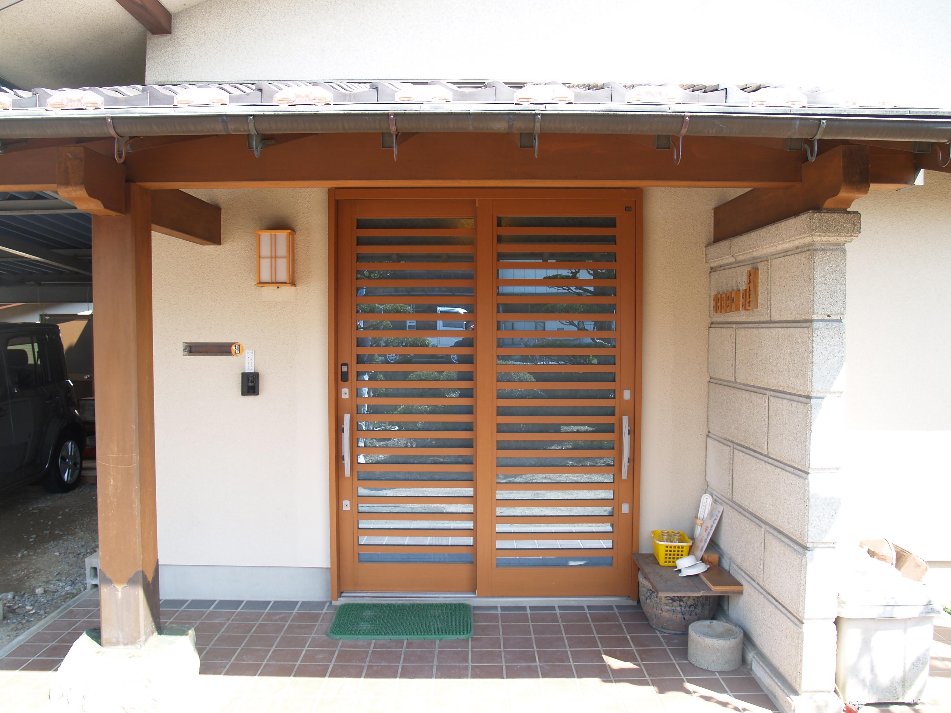 玄関も断熱効果が高い扉に交換