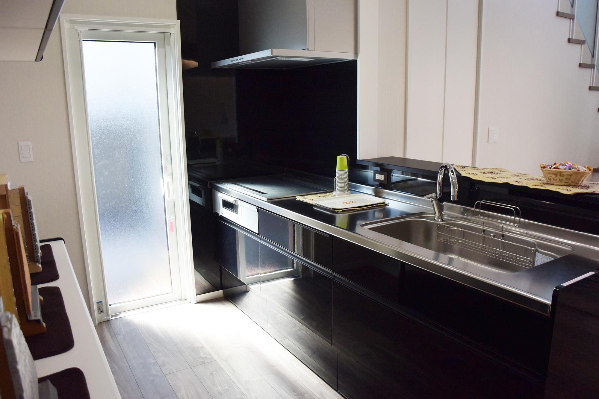 キッチンはLIXILEです。