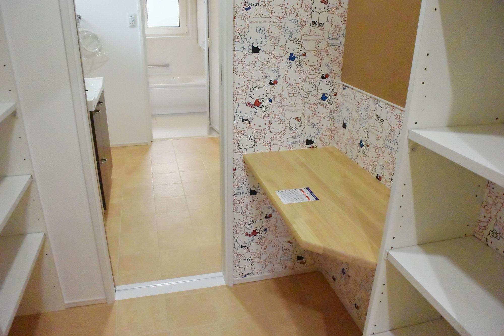 収納や整理整頓に便利な洗面脱衣所のユーティリティスペース。