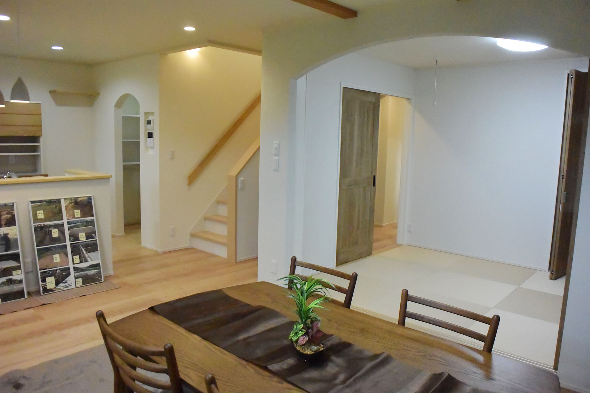 リブングダイニング・和室と併せて22帖の広々空間。