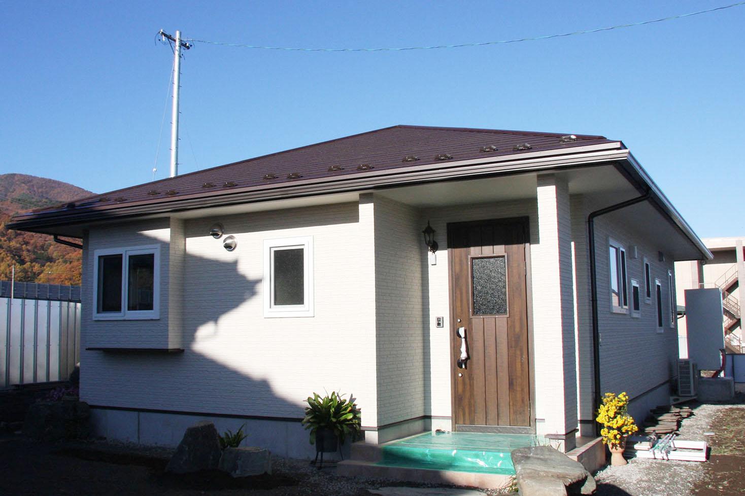 光熱費のかからない平屋、趣味のスペースと南に庭も移設