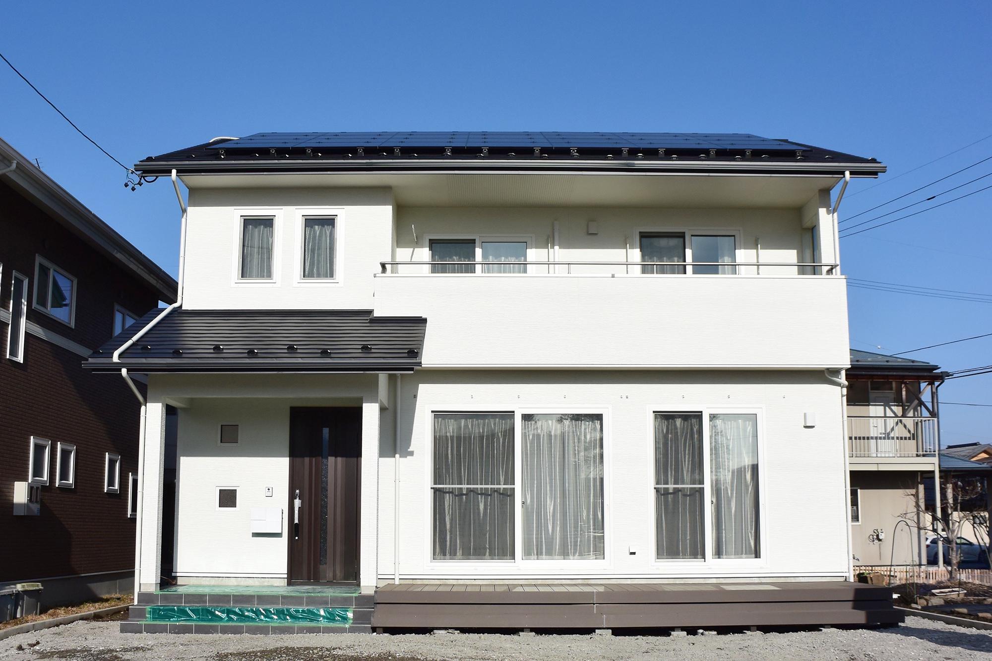 太 陽 光 発 電 4.90kW搭載