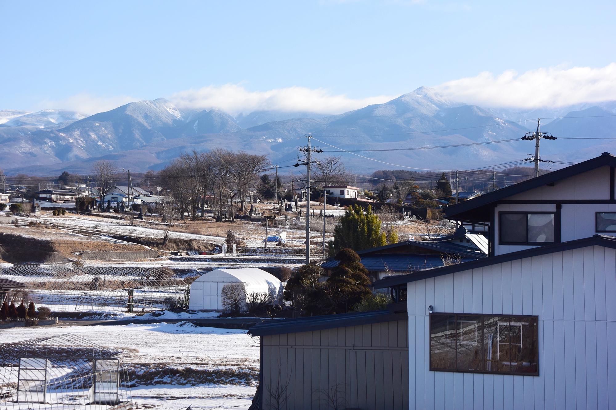 2Fの窓から眺めることのできる八ヶ岳