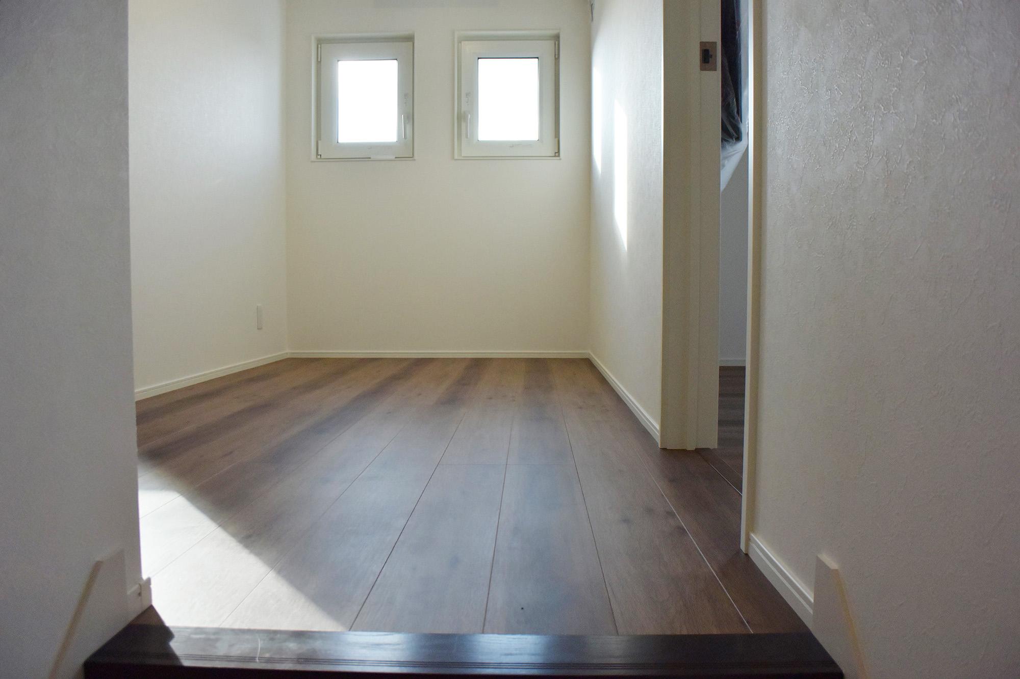階段を上がると開放的なフリースペースがあり、使い方自由自在です。