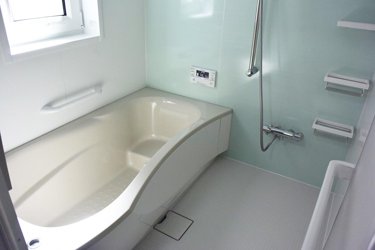 浴室はゆったりとくつろげるスペースとなっています。