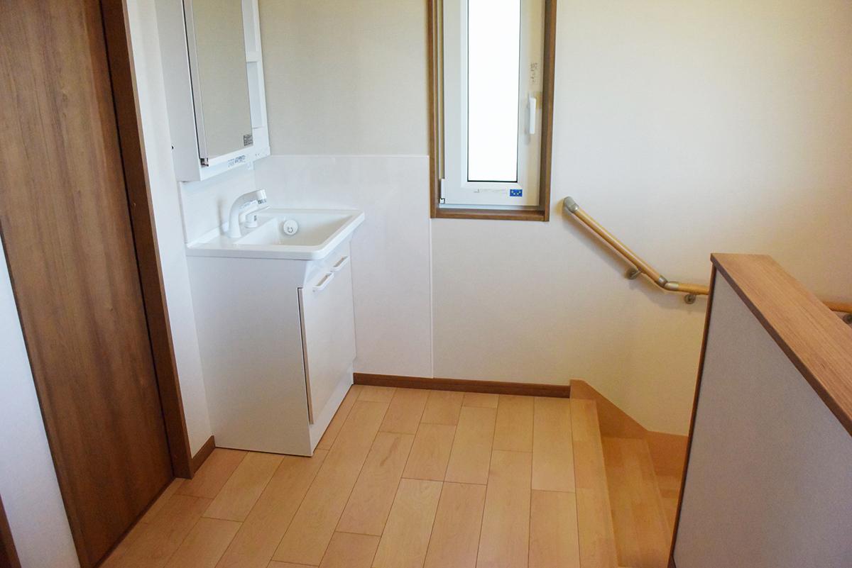 二階に上がると手洗いスペースがあります。