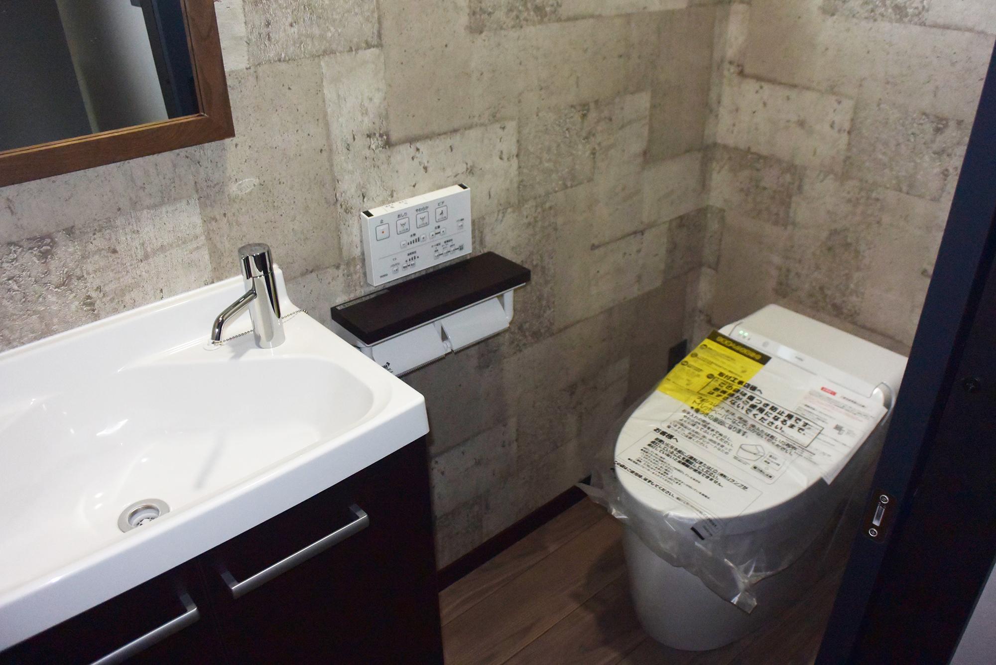 トイレの手洗いも豪華の作りです。