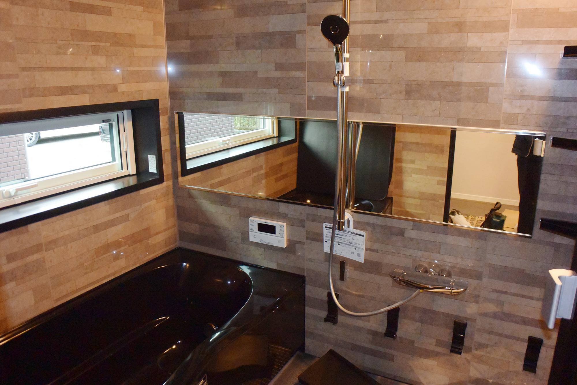 こちらも豪華な浴室。スペースもゆったりです。